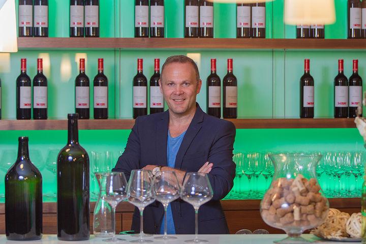 Rainer Christ in der Vinothek